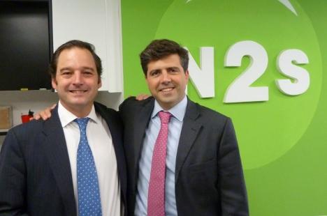 Pablo Fernández de la Torre posa junto a su socio en N2S, Francisco de la Peña, director general