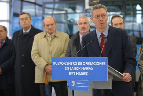 El alcalde de Madrid, Alberto Ruiz Gallardón, durante la inauguración del centro