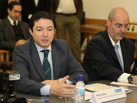 Pedro Calvo, delegado de Movilidad del Ayuntamiento de Madrid, inició el turno de diálogo