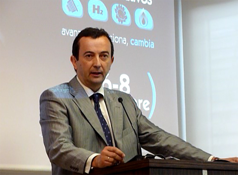 Carlos Escudero, director de Feria de Valladolid, durante la presentación del III Salón del Vehículo y Combustible Alternativos