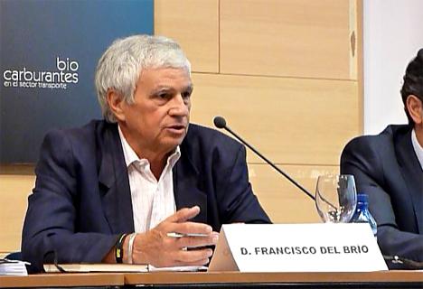 El periodista Francisco del Brío adelantó los pesimistas datos de un estudio de Arval sobre la implantación del vehículo eléctrico entre las flotas de empresa