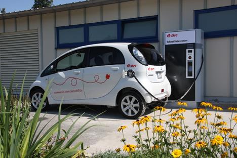 E.on abre la primera estación de recarga rápida de vehículos eléctricos en una autopista alemana