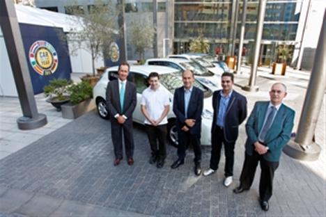Entrega de los cinco primeros vehículos Nissan LEAF