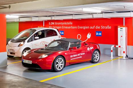 Nuevas estaciones de recarga de vehículos eléctricos  en parkings públicos de Munich.
