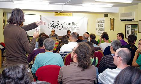 Asamblea de ConBici en Huesca