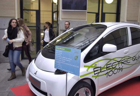 Vehiculo elctrico presentado en las Jornadas