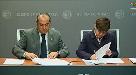 Firma de la Declaración Institucional impulso a la creacion del centro