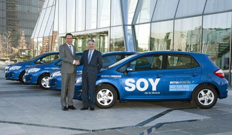 El Presidente de Toyota España, Jacques Pieraerts y el Presidente de Mutua Madrileña, Ignacio Garralda