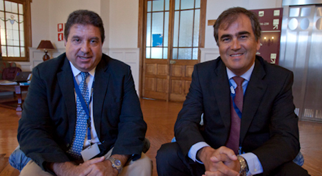 El director general de CIC Consulting Informático, Fernando Martínez, y el director de Eficiencia Energética de Acciona Energía, Luis Gordo
