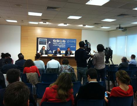Rueda de prensa del IV Salón del Vehículo y Combustible Alternativos en Valladolid.