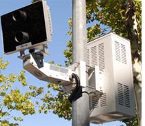 Cámara para detectar infracciones cometidas en cruces con semáforos.