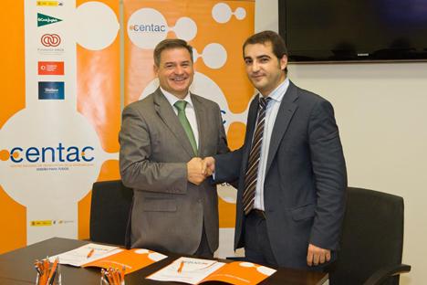 De izquierda a derecha: Juan Luis Quincoces, Director General de CENTAC, y Antonio Manuel Tejada, Presidente de la Ciudad Accesible.