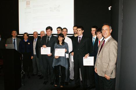 III Premios Saft Baterías, foto de los premiados, directivos de Saft y miembros del jurado.