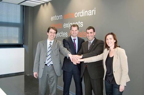 Acuerdo Avanza Mataró para el proyecto de mobiliario urbano inteligente.