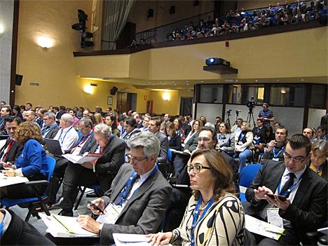 Público asistente al III CNIS en uno de los debates en el Auditorio Principal de la Fábrica Nacional de Moneda y Timbre.