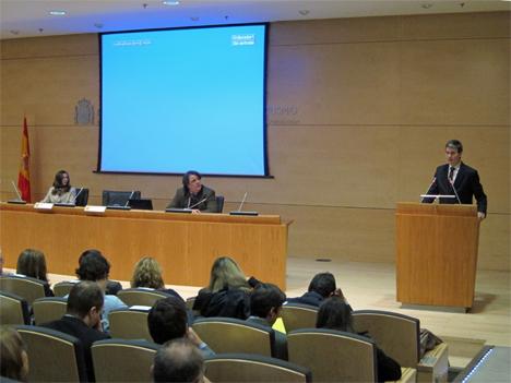 Juan Corro, Presidente del Comité de Normalización de Ciudades Inteligentes durante la segunda reunión.