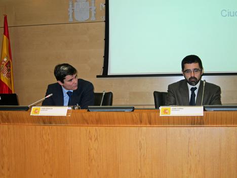 De izquierda derecha: Rafael Achaerandio, de IDC, y Jose Ignacio Sánchez, de Red.es.