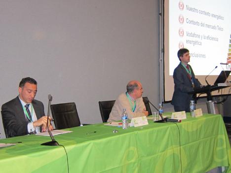 De izquierda a derecha: Ricardo Usaola, Director, Solution Sales de CA Technologies; Jose Manuel Mira, Responsable de energía en Telefónica España, y David Lozano, Machine to Machine Strategy & Business Development Manager for Vertical Markets en Vodafone Global Enterprise