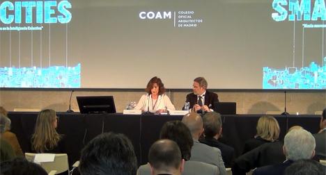 De izquierda a derecha: Ana Botella, Alcaldesa de Madrid, y José Antonio Granero, Decano del Colegio Oficial de Arquitectos de Madrid.