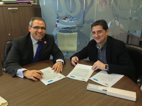 Raúl Ortega, Director de Estrategia Tecnológica e Ingeniería del Software en Telefónica I+D, y Rafael Díaz, Director Ejecutivo de ESNE