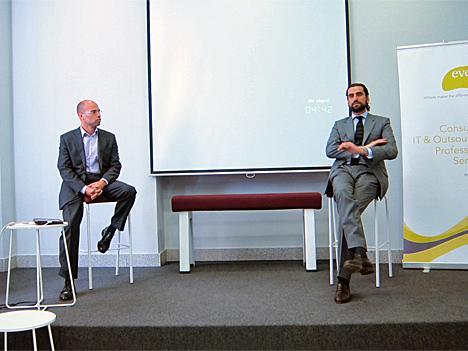 De izquierda a derecha: Ángel guitierrez, de Éveris e Iñaki Ortega, Gerente de Madrid Emprende.