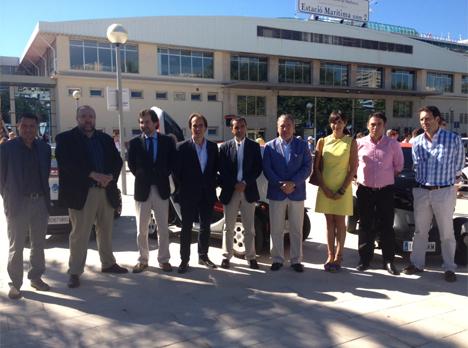 Autoridades locales y regionales de Palma en la presentación del servicio de rent a car.
