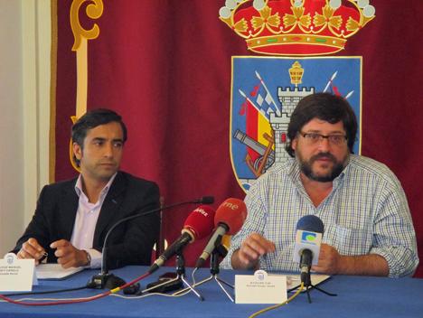 De izquierda a derecha: José Manuel Rey Varela, Alcalde de Ferrol, y Felipe Sas, Gerente del Grupo Austen