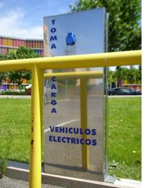 Poste de recarga para vehículos eléctricos, de Castilla y León.