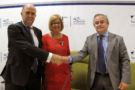 Representantes de Indra, Fundación  Adecco y Universidad de Málaga.