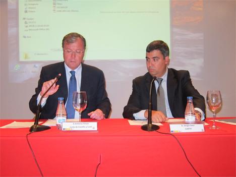 Antonio Silván, Consejero de Fomento y Medio Ambiente de la Junta de Castilla y León, y Sergio Sanz, Director de la División de Energía de Cartif