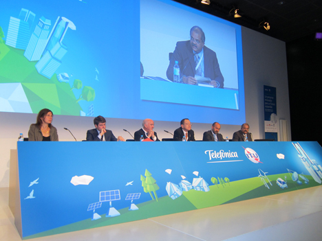 Mesa sobre la respuesta de la Industria ante el reto de ciudades más sostenibles e inteligentes en la Green Standard Week.