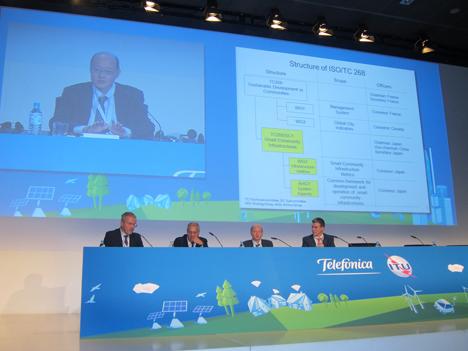 Mesa 4 sobre normalización para las ciudades sostenibles e inteligentes.