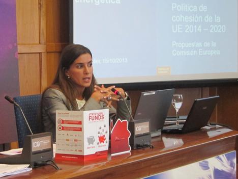 Lara Noivo, Directora de Relaciones Gubernamentales de Philips Ibérica