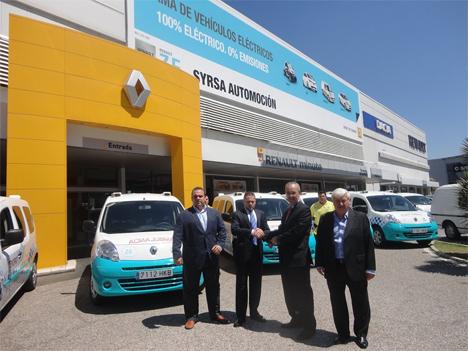 Entrega de las ambulancias eléctricas de Renault