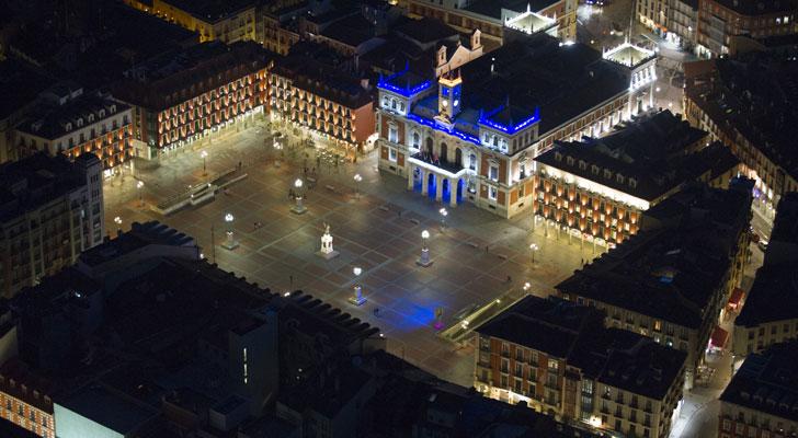 valladolid-plaza-iluminada