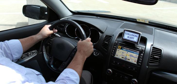 Vehículo conectado peligro de colisión