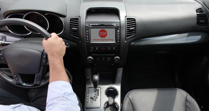 Vehículo conectado alerta coche próximo