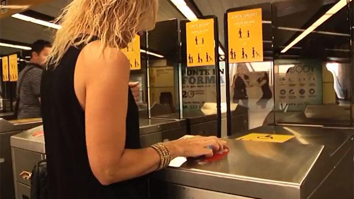 Sistema NFC para acceder al transporte publico valenciano