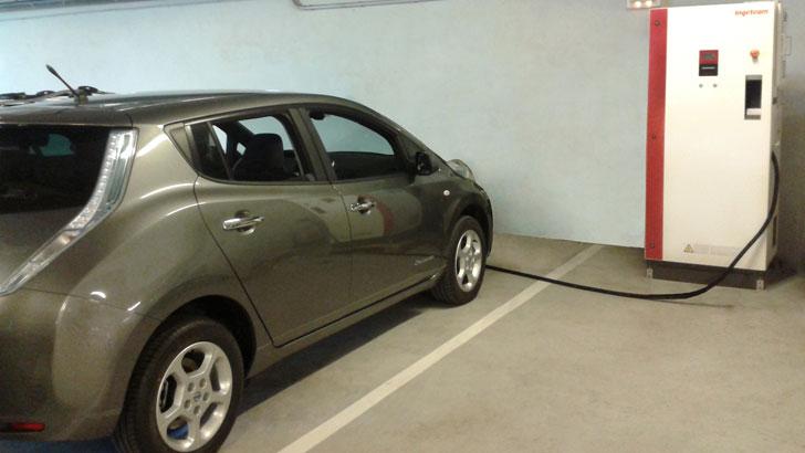 Nissan Leaf con cargador CHAdeMO de Ingeteam