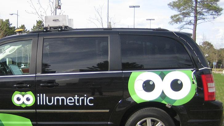 Sensores en parte superior y trasera del vehículo Illumetric