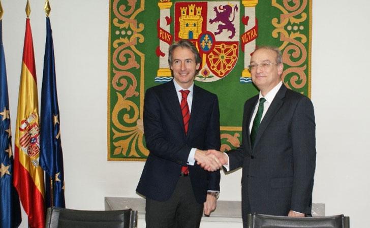 Íñigo de la Serna, Presidente de FEMP, y Avelino Brito, Director General de AENOR.