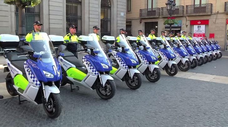 Flota de motocicletas eléctricas de la Guardia urbana de Barcelona
