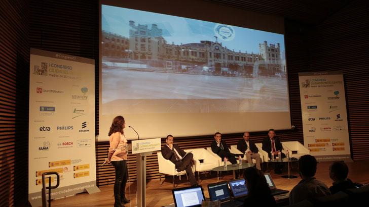Beatriz Simón, del Ayuntamiento de Valencia en el I Congreso Ciudades Inteligentes