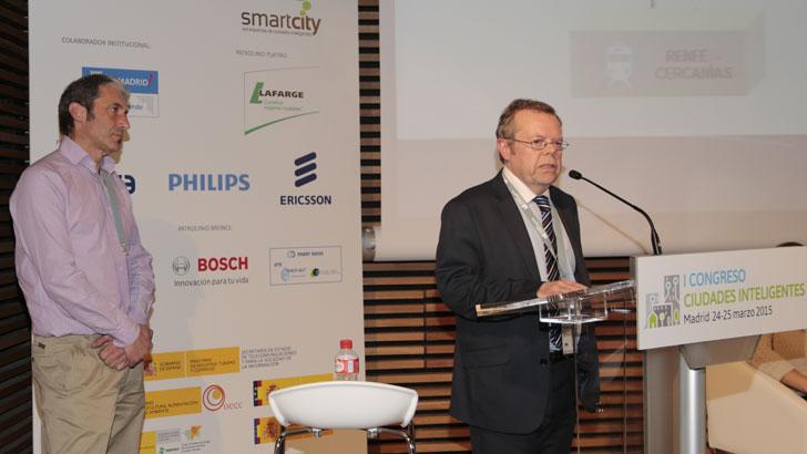 Andrés Recio, Responsable de Aplicaciones de Negocio de la Empresa Municipal de Transporte de Madrid, y Luis Criado, Jefe del Área de Sistemas del Consorcio Regional de Transportes de Madrid