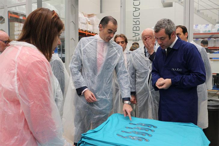 Visita de Manuel Llombart (Comunidad de Valencia) a la empresa Nuubo