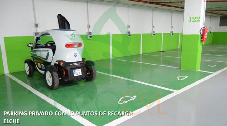 Aparcamiento subterráneo con 19 plazas reservadas para vehículo eléctrico y su correspondiente punto de recarga, en Elche.