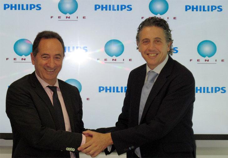 Firma del acuerdo entre FENIE y Philips Ibérica