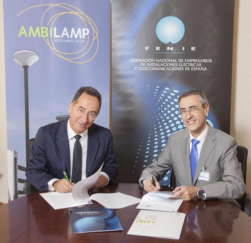 Firma entre Ambilamp y FENIE