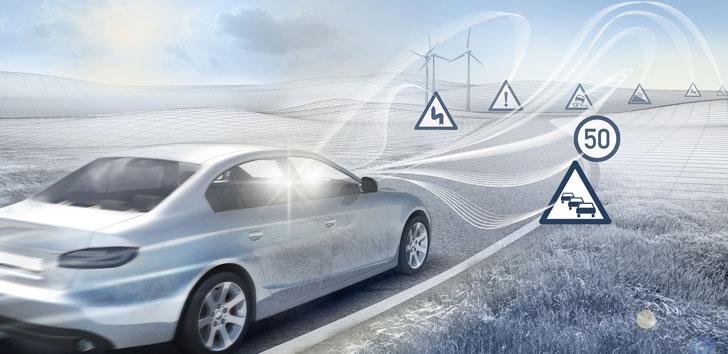 Infografía sobre un vehículo conectado a la red