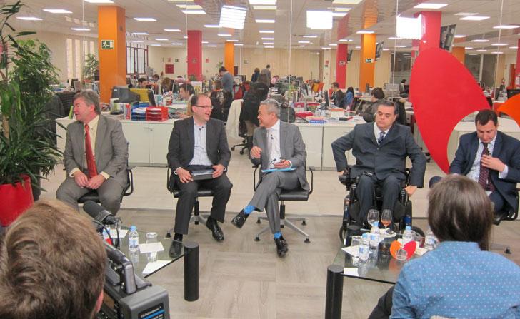 Los cinco ponentes del encuentro informativo